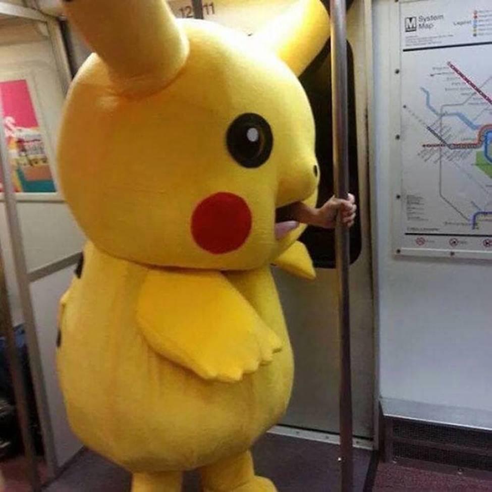Bắt gặp hình ảnh quái gở chỉ có ở trên tàu điện ngầm-11