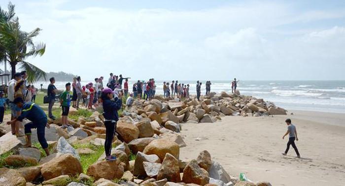 4 người đuối nước ở Bình Thuận: Thương tâm vợ thoát nạn ngóng chồng-2