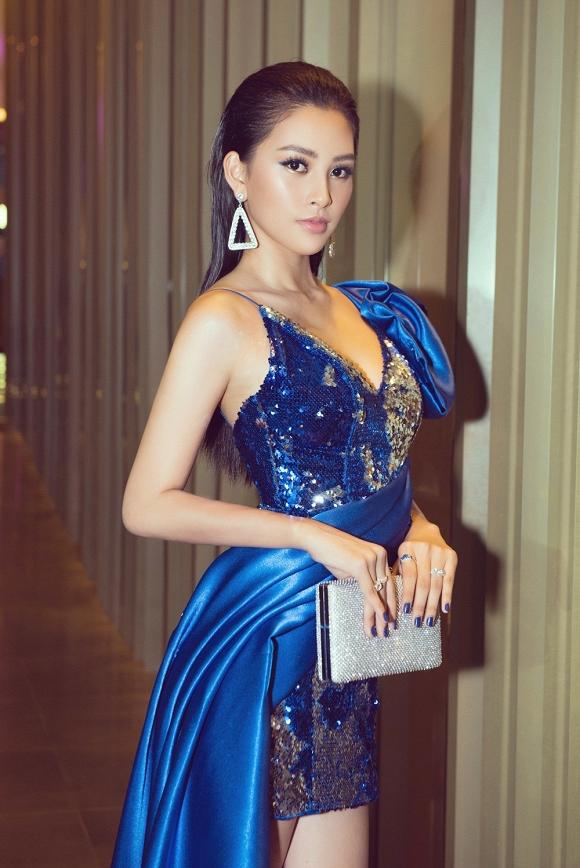 Hoa hậu Tiểu Vy đẹp như nữ thần, hào hứng khi làm giám khảo cuộc thi nhan sắc quốc tế-8
