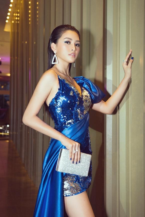 Hoa hậu Tiểu Vy đẹp như nữ thần, hào hứng khi làm giám khảo cuộc thi nhan sắc quốc tế-9