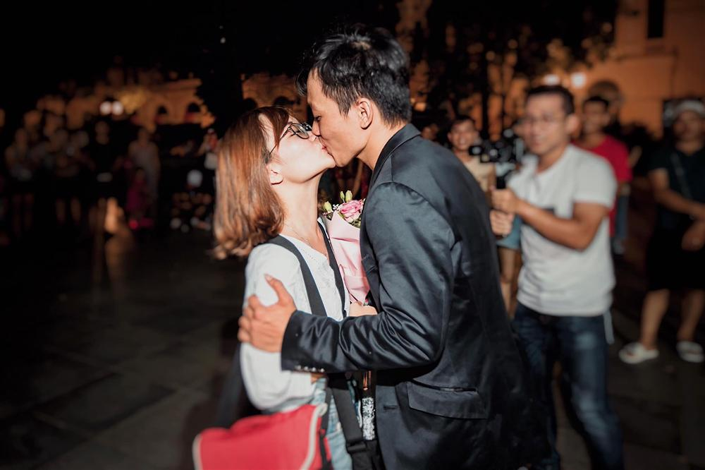 Dành cả thanh xuân bên chàng trai từ năm 17 tuổi, cô gái trẻ nhận kết viên mãn cho tình yêu kéo dài gần một thập kỷ-5