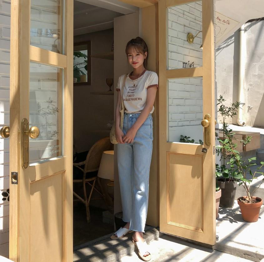 4 món đồ jeans bạn nên tậu gấp để bước vào mùa thu với style trẻ xinh và siêu cấp sành điệu-1