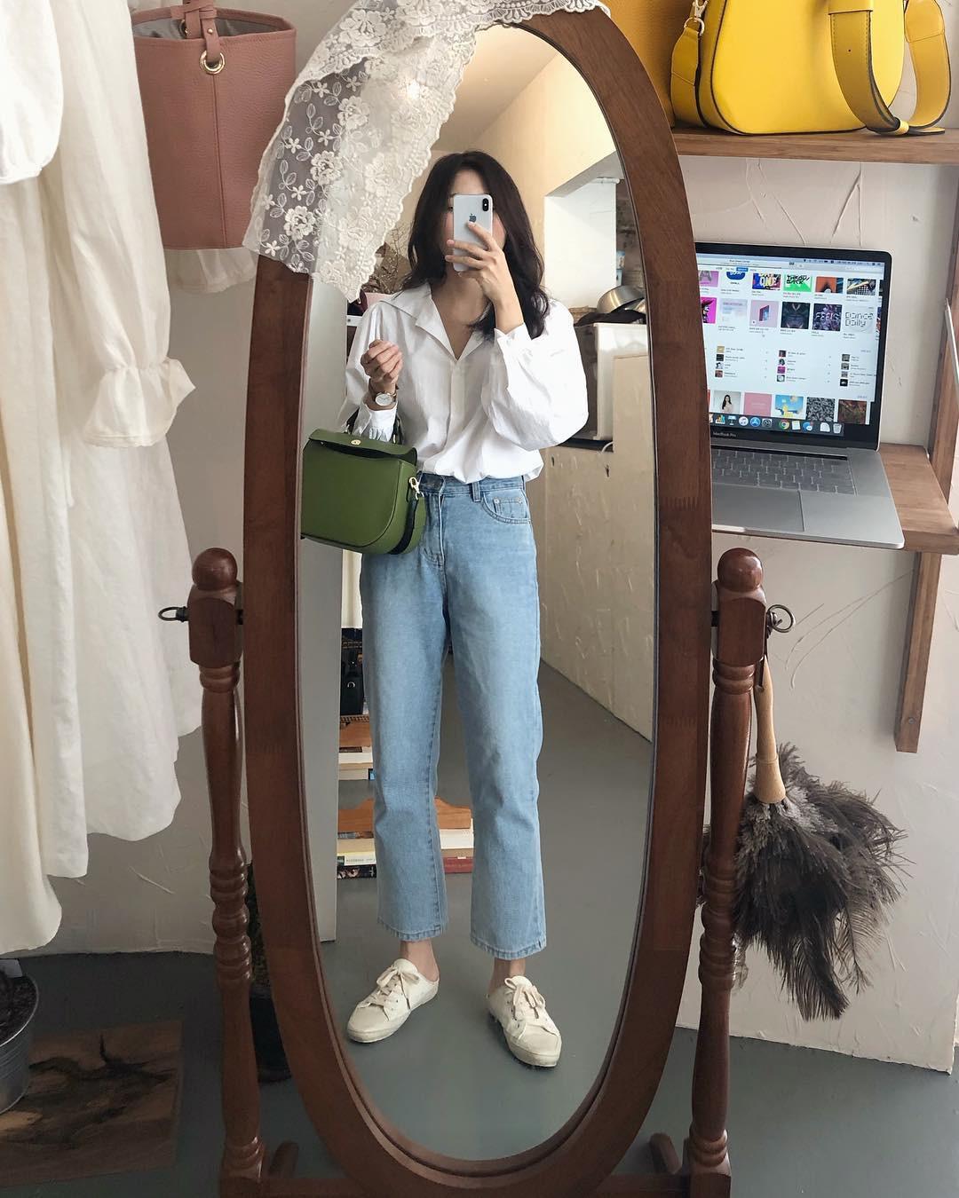 4 món đồ jeans bạn nên tậu gấp để bước vào mùa thu với style trẻ xinh và siêu cấp sành điệu-4