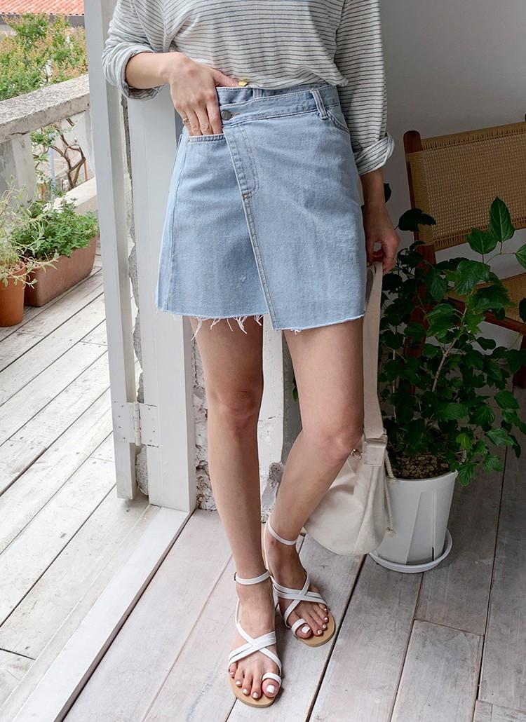 4 món đồ jeans bạn nên tậu gấp để bước vào mùa thu với style trẻ xinh và siêu cấp sành điệu-8