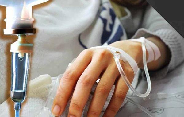 Cô gái nôn ra 2000ml máu và phải cắt bỏ 60% dạ dày chỉ vì kiểu ăn uống tai hại-1