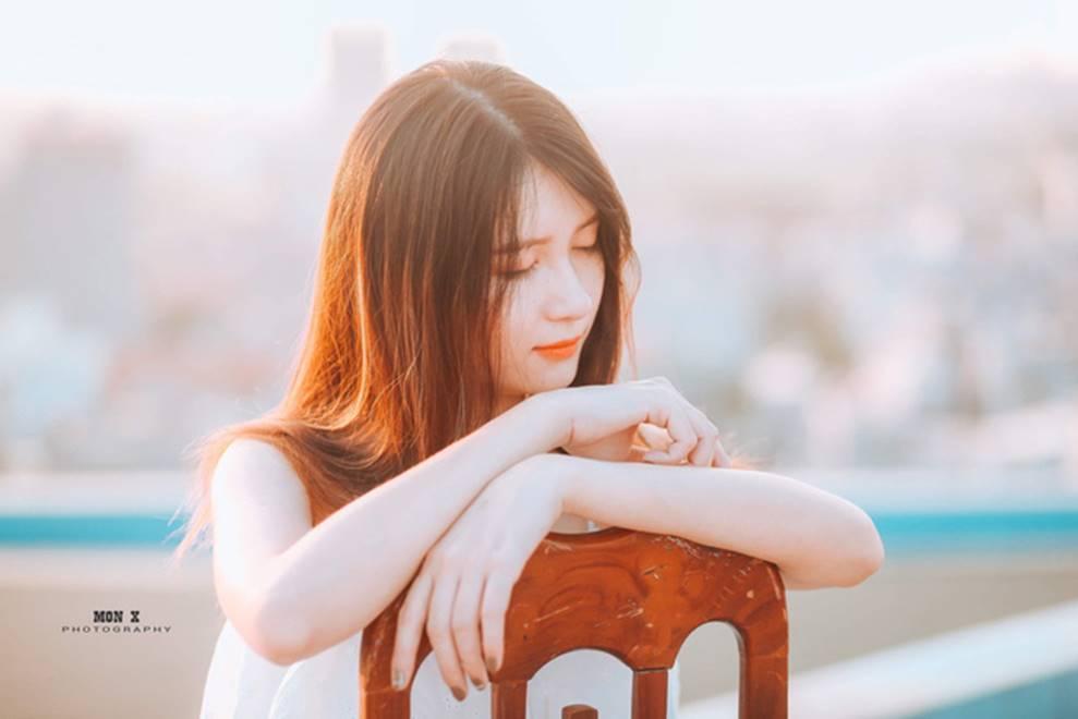 Nữ sinh Bách Khoa gây xôn xao vì đẹp mong manh trong bộ áo quần đồng phục, xem đến ảnh đời thường càng xuất sắc hơn-15