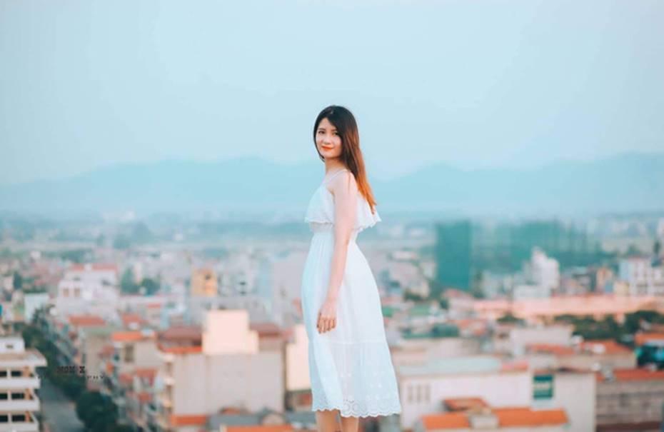 Nữ sinh Bách Khoa gây xôn xao vì đẹp mong manh trong bộ áo quần đồng phục, xem đến ảnh đời thường càng xuất sắc hơn-17