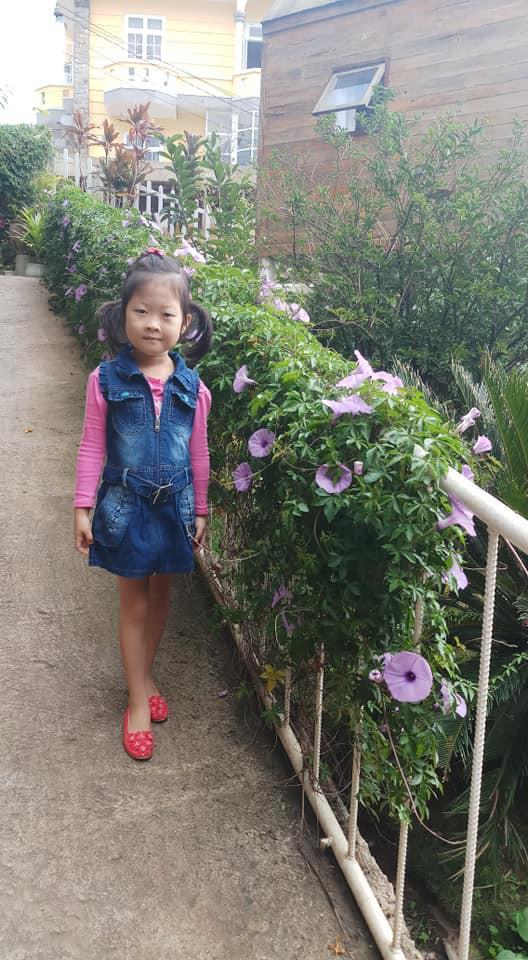 Bé 5 tuổi 3 lần vô địch Nhanh như chớp nhí: Chị Ba bất biến là ai mà khiến hàng loạt sao Việt phát cuồng?-13