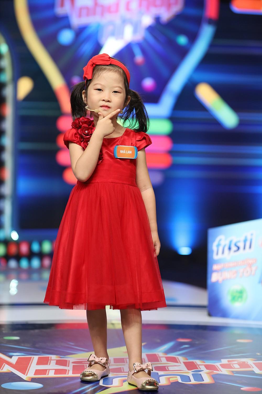 Bé 5 tuổi 3 lần vô địch Nhanh như chớp nhí: Chị Ba bất biến là ai mà khiến hàng loạt sao Việt phát cuồng?-1
