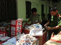 Bắt giữ nhiều thùng bánh trung thu nhập lậu từ Trung Quốc