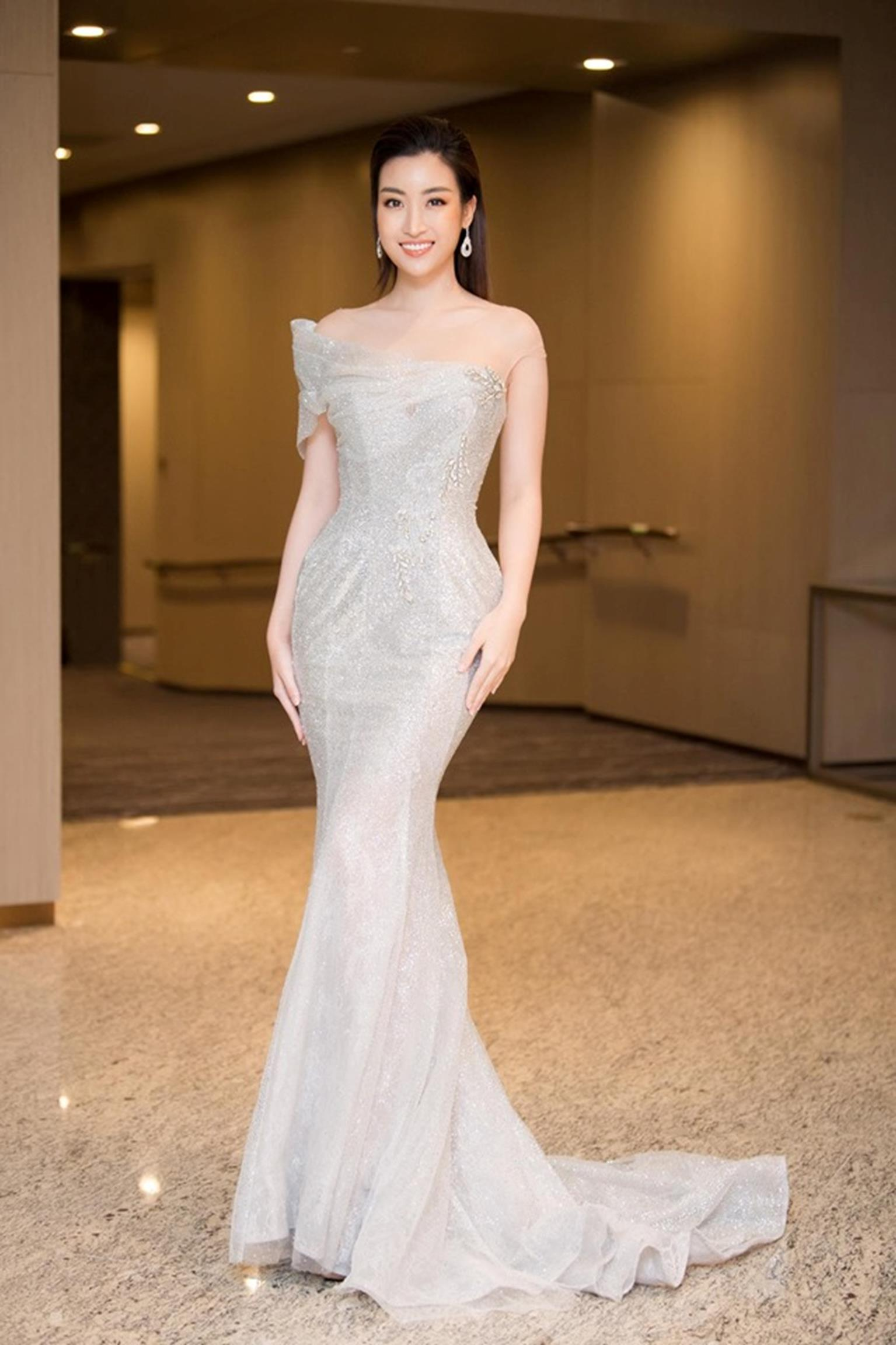 Hoa hậu Đỗ Mỹ Linh mặc đẹp tựa nữ thần, phớt lờ ồn ào bủa vây?-4