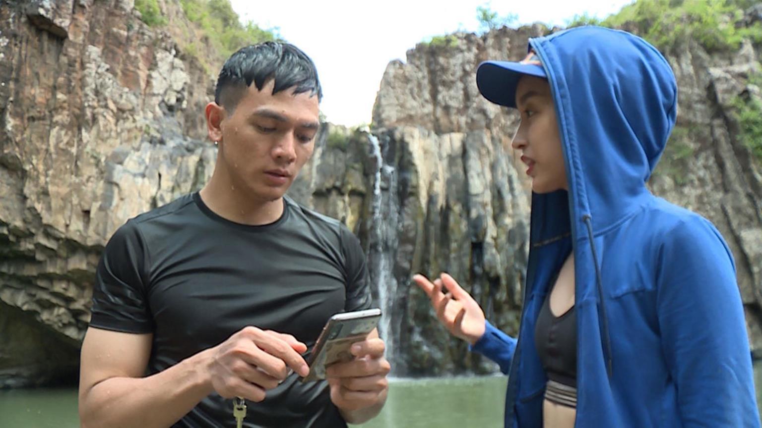 Hoa hậu Đỗ Mỹ Linh mặc đẹp tựa nữ thần, phớt lờ ồn ào bủa vây?-8