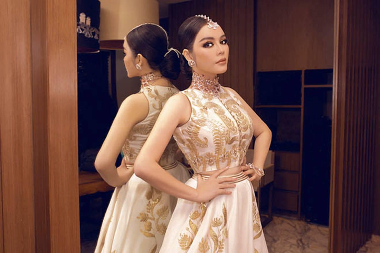 Lý Nhã Kỳ diện váy dát vàng dự tiệc sinh nhật của tỷ phú giàu nhất Ấn Độ-1