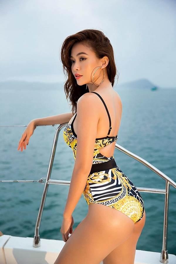 Á hậu Mâu Thuỷ đốt mắt fans với loạt ảnh khoe đường cong hoàn hảo cùng bikini-3