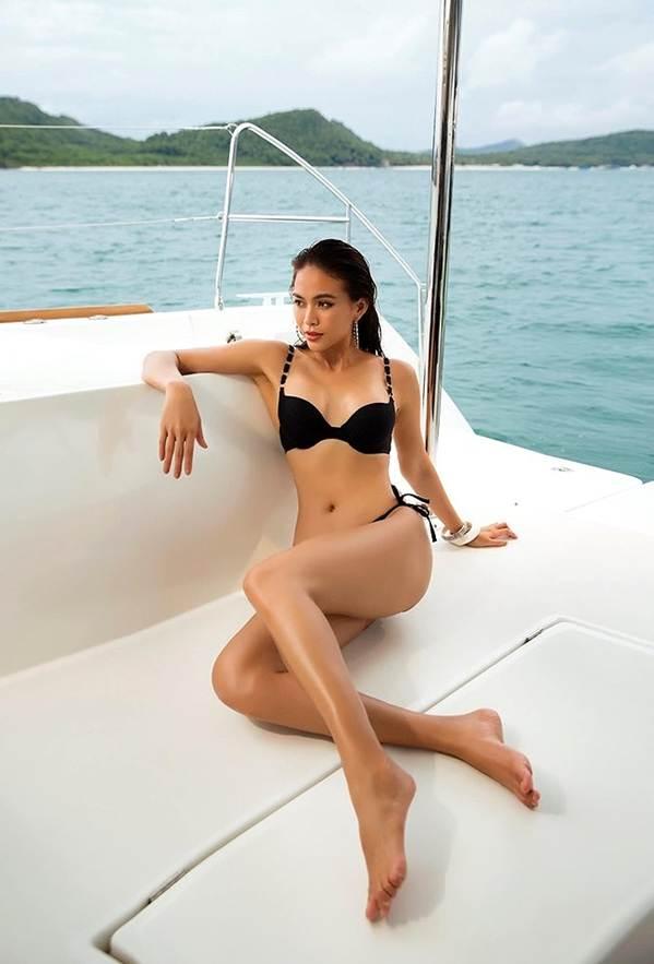 Á hậu Mâu Thuỷ đốt mắt fans với loạt ảnh khoe đường cong hoàn hảo cùng bikini-6
