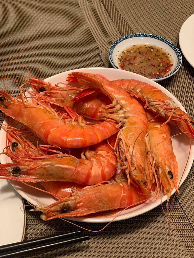 Xoá nghi vấn ghét nhau, Quế Vân mời vợ cũ Việt Anh đến nhà ăn cỗ đẹp như nhà hàng-6