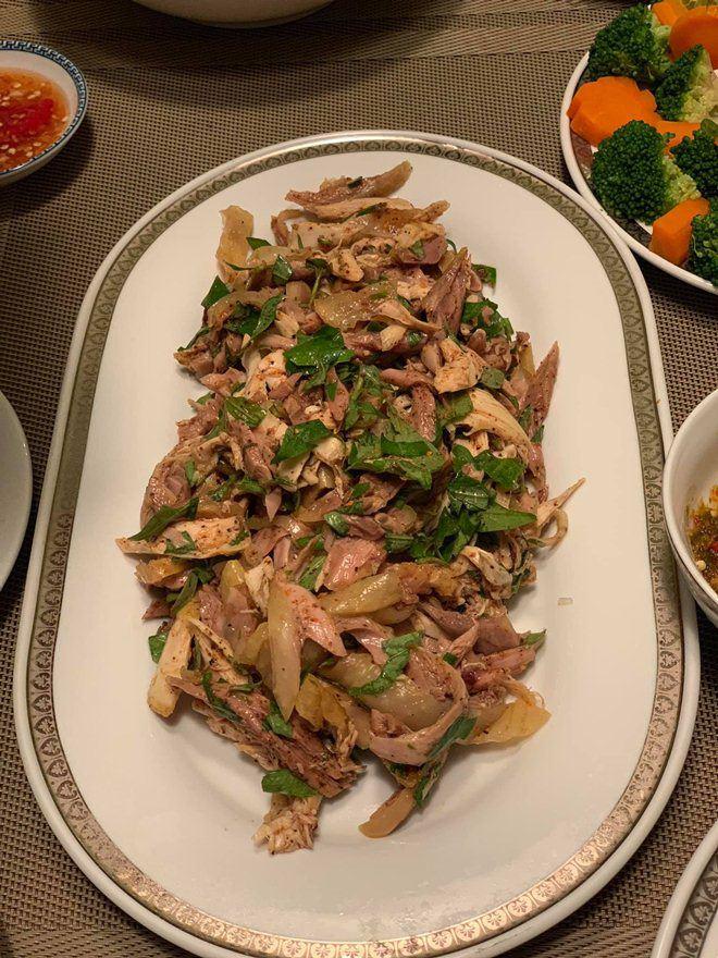Xoá nghi vấn ghét nhau, Quế Vân mời vợ cũ Việt Anh đến nhà ăn cỗ đẹp như nhà hàng-7