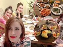 Xoá nghi vấn ghét nhau, Quế Vân mời vợ cũ Việt Anh đến nhà ăn cỗ đẹp như nhà hàng