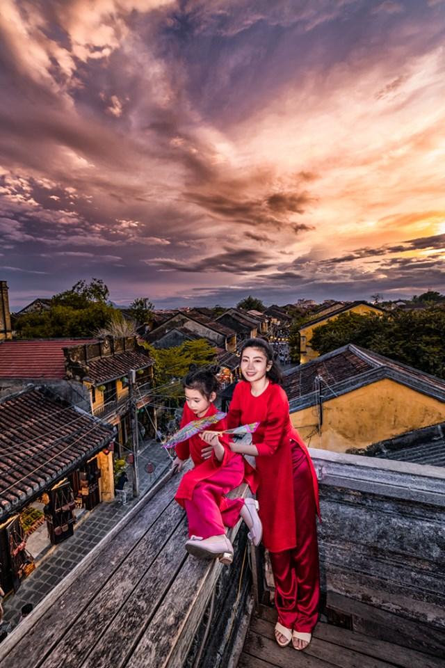 Giữa lúc điều trị ung thư phổi, diễn viên Mai Phương diện đồ đôi du lịch cùng cô con gái nhỏ Lavie-3