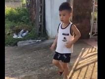 Cậu bé 'cứng' nhất năm: Thà đi dọn phân chứ không chịu đi học