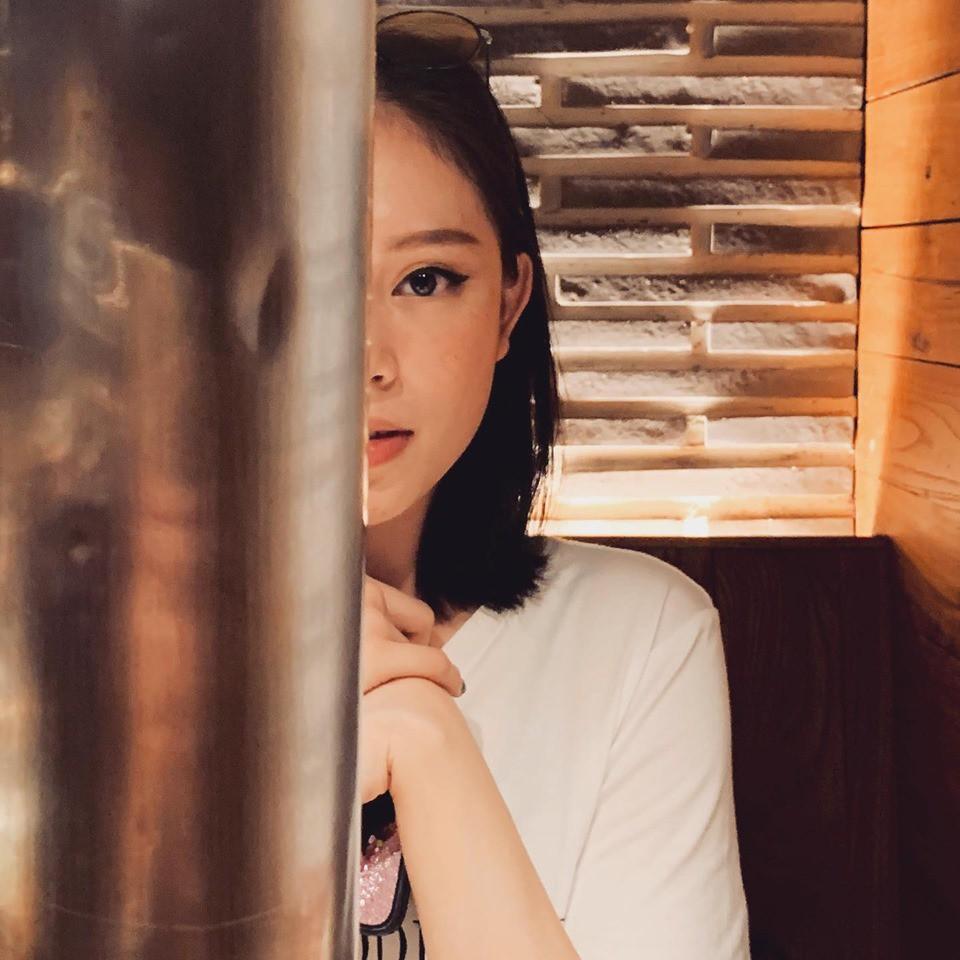 Sau khi công khai hẹn hò, em chồng Hà Tăng - Phillip Nguyễn và người mẫu Linh Rin giờ đã mạnh dạn thể hiện tình yêu-4