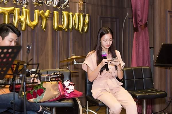 Hoa hậu Tiểu Vy và dàn người đẹp để mặt mộc dự sinh nhật Hoa hậu Lương Thuỳ Linh-1
