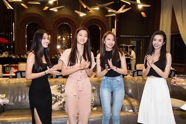 Hoa hậu Tiểu Vy và dàn người đẹp để mặt mộc dự sinh nhật Hoa hậu Lương Thuỳ Linh-10
