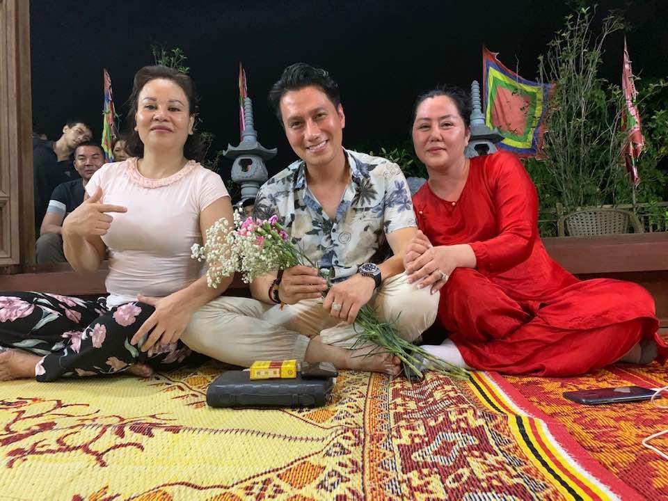 Trái với ảnh tự đăng, Việt Anh bất ngờ lộ gương mặt lạ lẫm và kém sắc trong ảnh được tag trên MXH-1