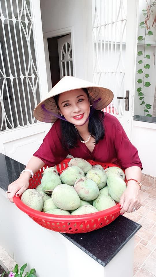 Cuộc sống đằng sau lời tuyên bố sẽ không lấy chồng từ nay đến cuối đời của Việt Trinh-12