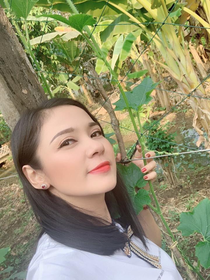 Cuộc sống đằng sau lời tuyên bố sẽ không lấy chồng từ nay đến cuối đời của Việt Trinh-13
