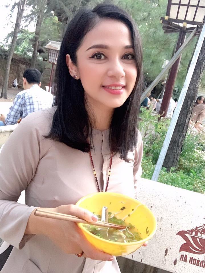 Cuộc sống đằng sau lời tuyên bố sẽ không lấy chồng từ nay đến cuối đời của Việt Trinh-9