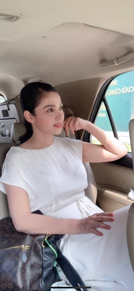 Cuộc sống đằng sau lời tuyên bố sẽ không lấy chồng từ nay đến cuối đời của Việt Trinh-18