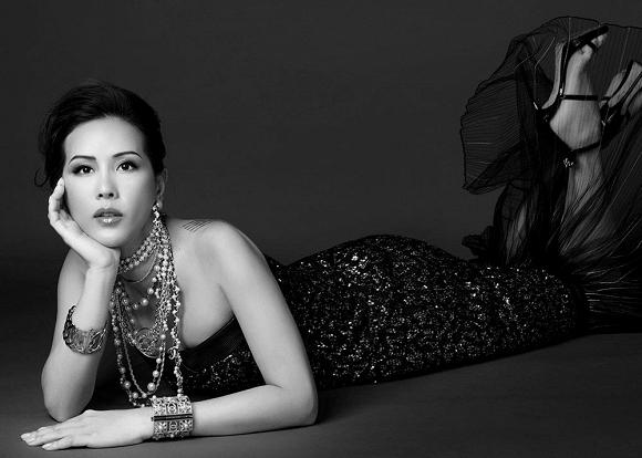 Hoa hậu Thu Hoài vẫn đầy trẻ trung, quyến rũ với hình tượng quý cô sang chảnh-11