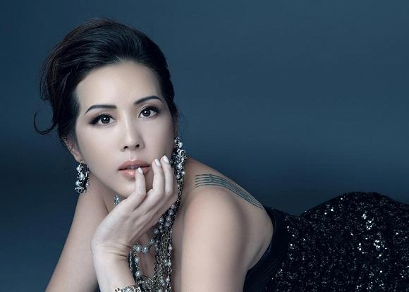 Hoa hậu Thu Hoài vẫn đầy trẻ trung, quyến rũ với hình tượng quý cô sang chảnh-3