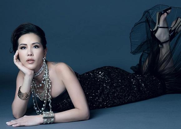 Hoa hậu Thu Hoài vẫn đầy trẻ trung, quyến rũ với hình tượng quý cô sang chảnh-4
