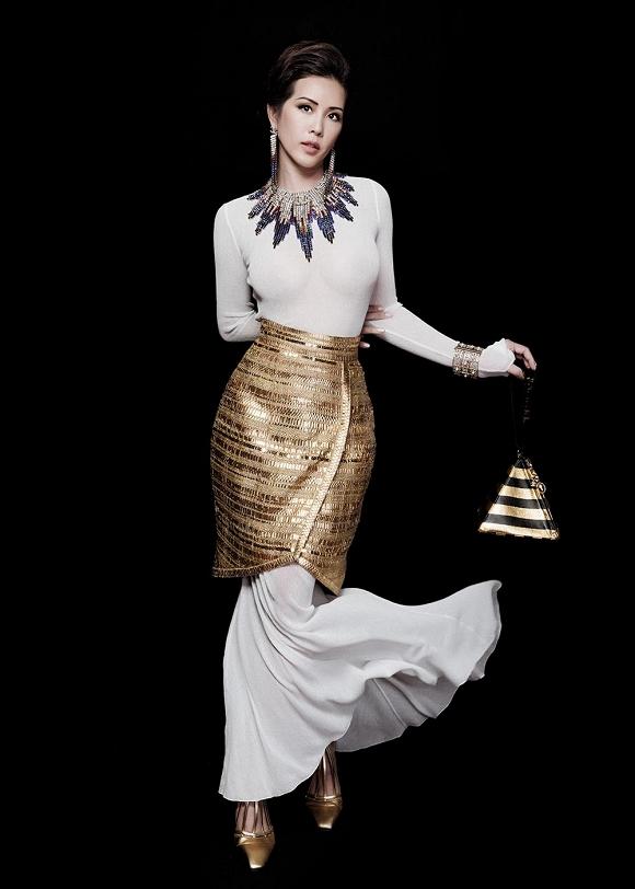 Hoa hậu Thu Hoài vẫn đầy trẻ trung, quyến rũ với hình tượng quý cô sang chảnh-5