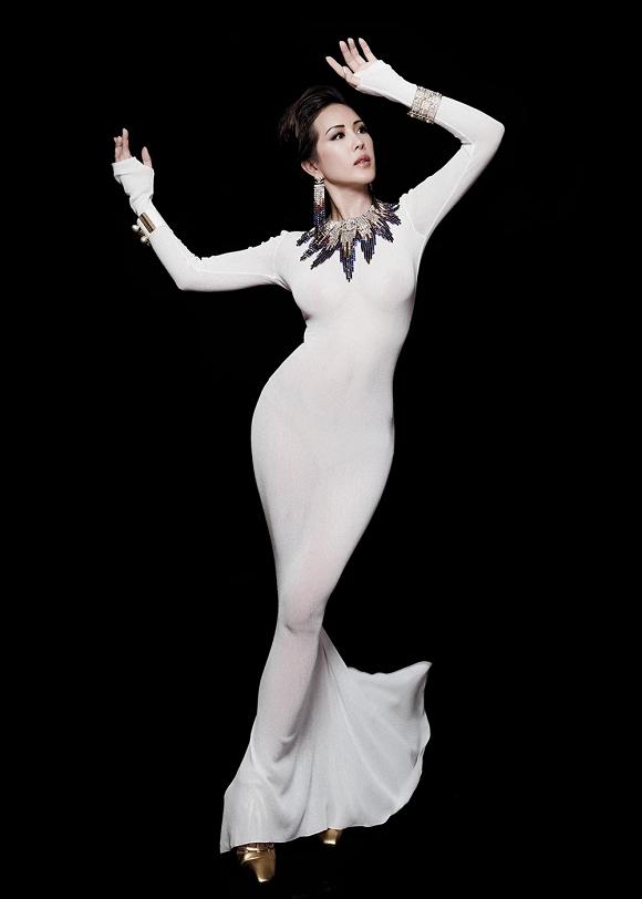 Hoa hậu Thu Hoài vẫn đầy trẻ trung, quyến rũ với hình tượng quý cô sang chảnh-6
