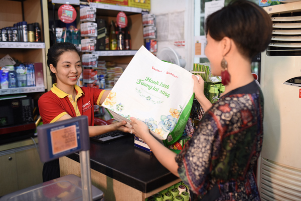 Doanh nghiệp bán lẻ chống rác thải nhựa: Nhìn từ thế giới đến Việt Nam-5