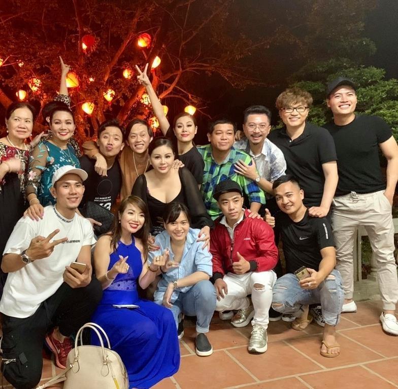 Cuộc sống của nghệ sĩ Hoài Linh sau khi rời khỏi hàng loạt các gameshow truyền hình-8