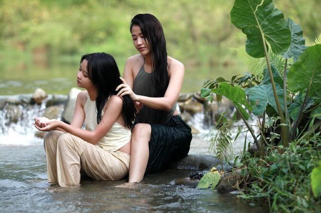 Vợ cũ của Quốc trong Về nhà đi con đẹp, sexy không kém Thu Quỳnh-7