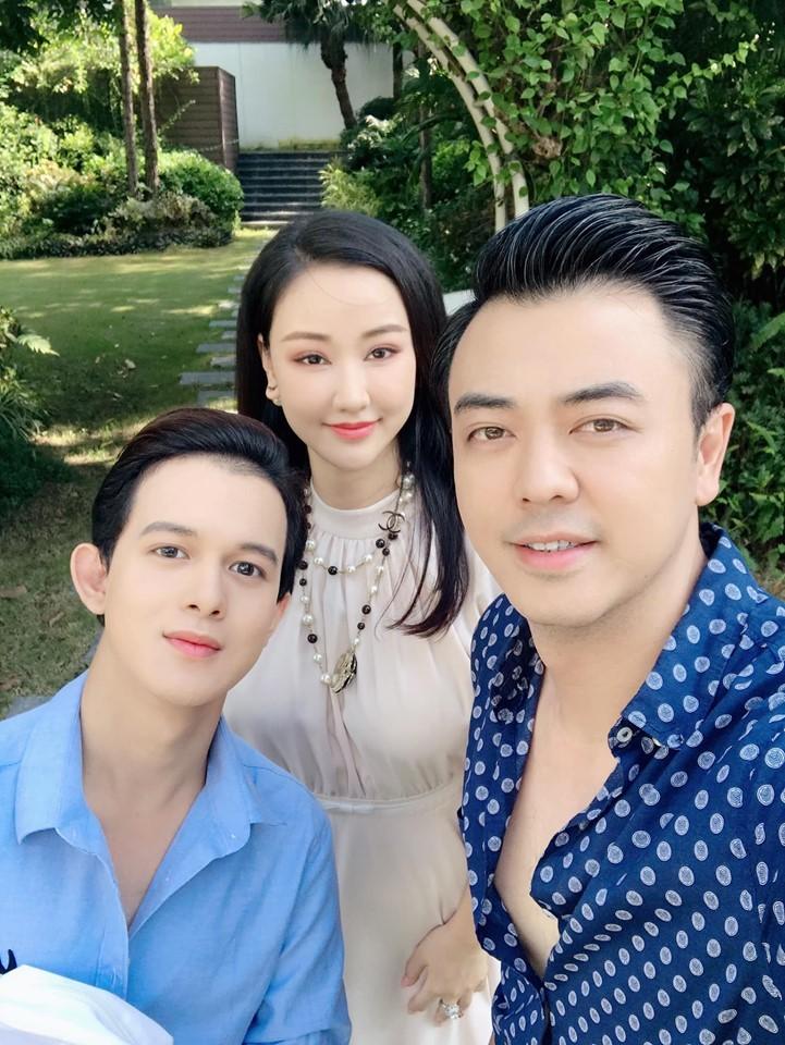 Vợ cũ của Quốc trong Về nhà đi con đẹp, sexy không kém Thu Quỳnh-4