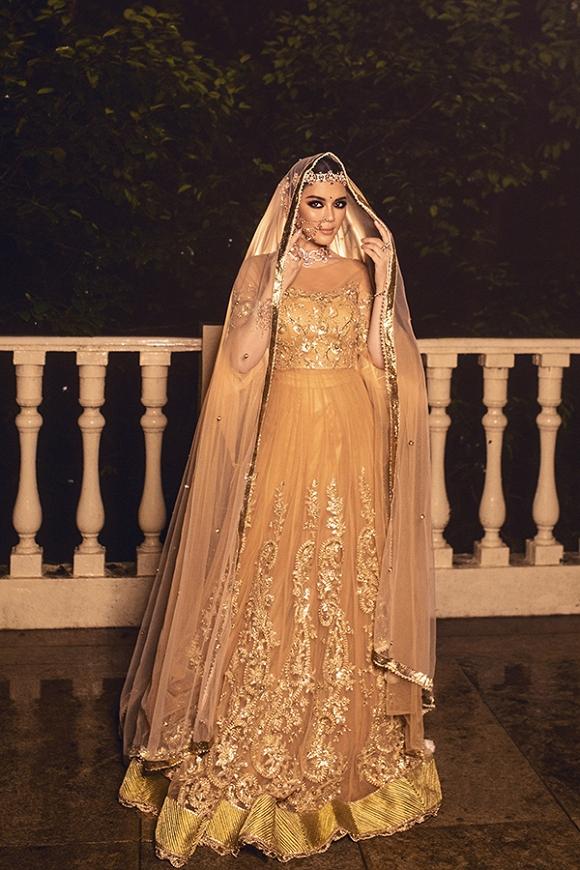 Lý Nhã Kỳ tiếp tục gây thương nhớ với nét quyền quý vương giả trong ngày tiệc thứ 4 sinh nhật tỉ phú Ấn Độ-3