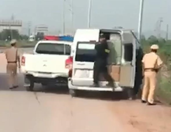 Cảnh sát nổ súng truy đuổi xe khách trên cao tốc Hà Nội - Bắc Giang-1