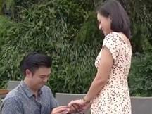 Kết phim 'Về nhà đi con ngoại truyện': Thư có bầu lần 2, Quốc quỳ gối cầu hôn Huệ