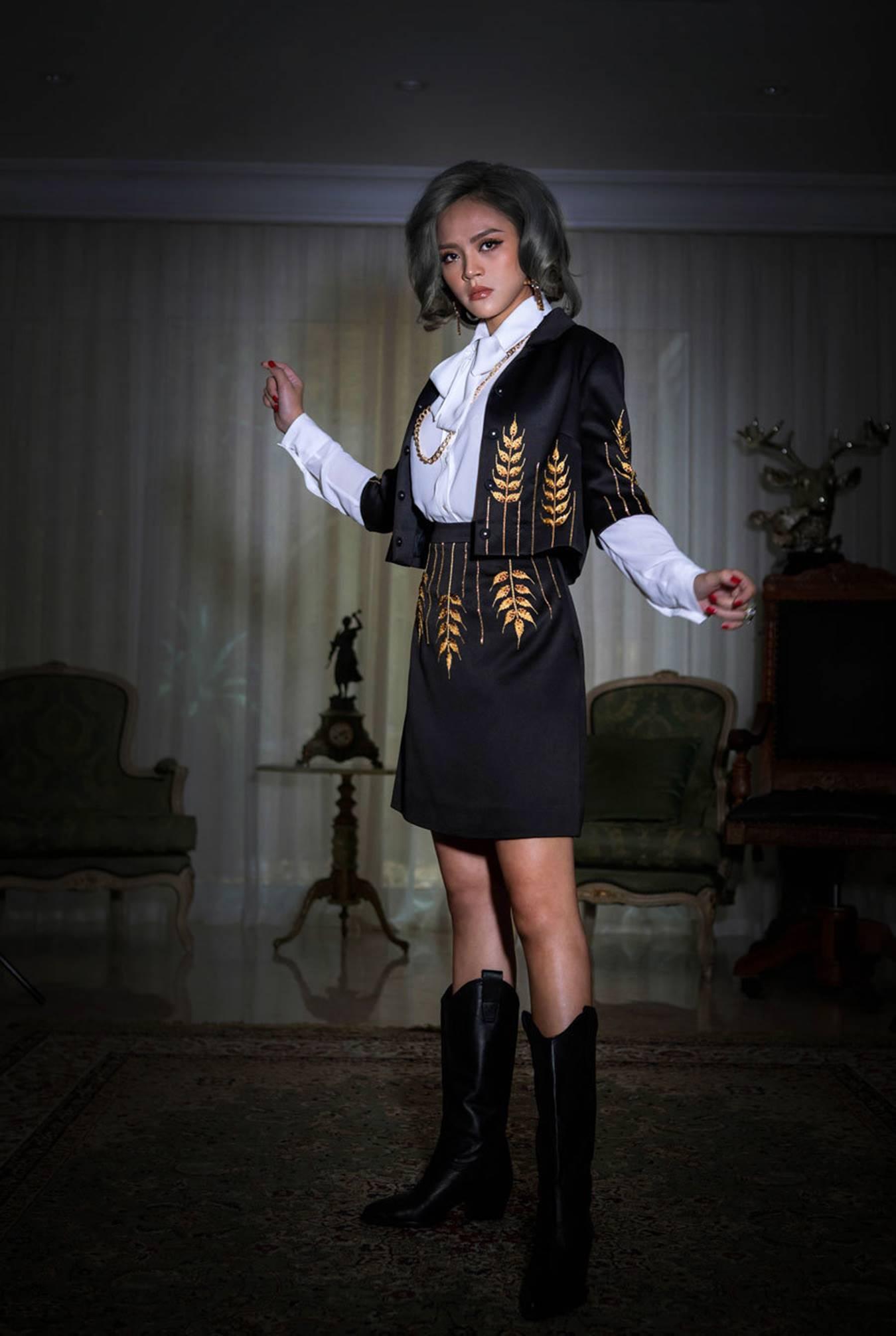 Hậu Về nhà đi con Thu Quỳnh lột xác với thời trang đương đại-3