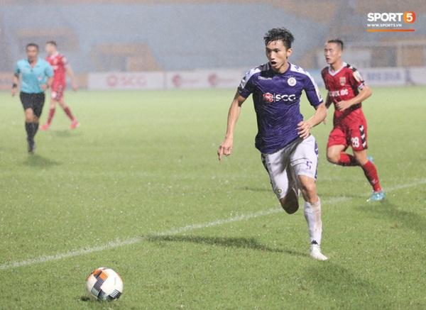 Nóng: Đoàn Văn Hậu chấn thương nặng, báo tin xấu cho HLV Park Hang-seo và tuyển Việt Nam-2