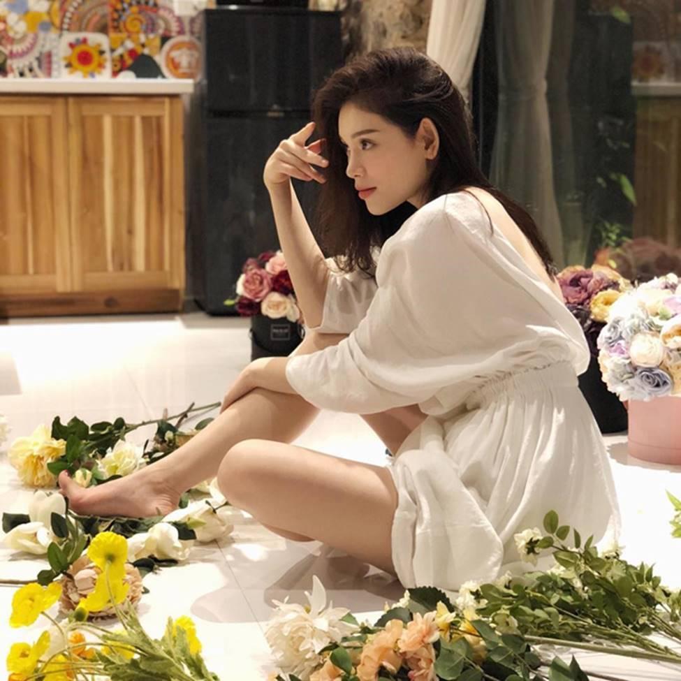 Cô gái nóng bỏng khiến em chồng thiếu gia của Hà Tăng mê đắm-16