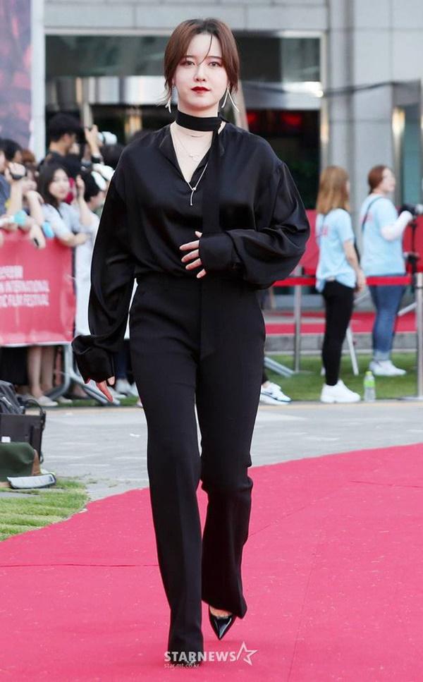 Chi tiết phần bụng lùm lùm của Goo Hye Sun gây xôn xao giữa bão ly hôn: Tăng cân hay đã mang thai?-1
