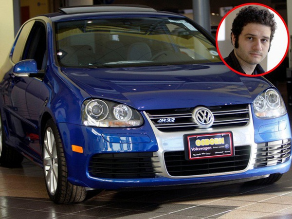 Mark Zuckerberg lái chiếc siêu xe Pagani Huayra trị giá 1,4 triệu USD - Những tỷ phú công nghệ khác lái xe gì?-2