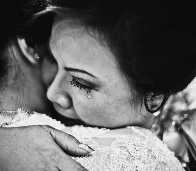 Mẹ vợ chết đứng khi vô tình nghe con rể gọi điện cho tình nhân ngay trong tiệc cưới, ngờ đâu con gái lại bình thản thú nhận gây sốc-2